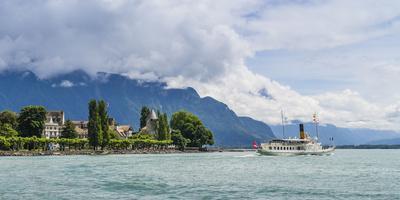 https://imgc.artprintimages.com/img/print/steamboat-on-the-lake-geneva-near-vevey_u-l-q1ewu4q0.jpg?p=0