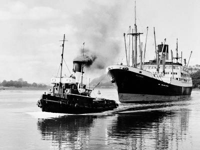 Steel and Bennie's Tug 'Brigadier' in Action, 1955--Photographic Print