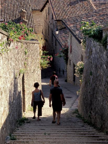 Steep Alleyway, Gubbio, Umbria, Italy-Inger Hogstrom-Photographic Print