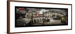 Picadilly Circus, London by Stephane Rey-Gorrez