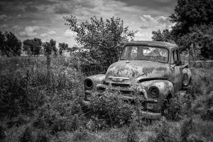 Old Rusting Truck by Stephen Arens
