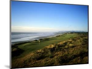 Pacific Dunes Golf Course, Hole 4 by Stephen Szurlej