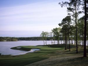 Reynolds Plantation Great Waters Golf Course, Hole 11 by Stephen Szurlej