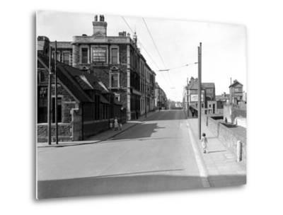 Bute Street, Cardiff, 13th April 1952