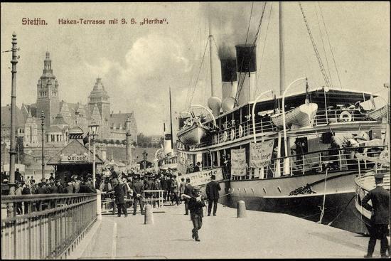 Stettin Pommern, Hen Terrasse Mit S.S. Hertha--Giclee Print