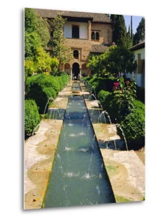 Generalife Gardens, the Alhambra, Granada, Andalucia, Spain, Europe