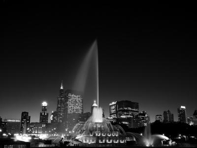 Chicagos Buckingham Fountain, Black & White by Steve Gadomski