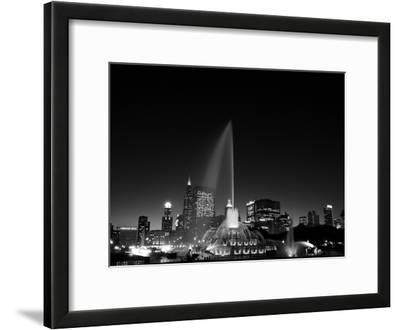 Chicagos Buckingham Fountain, Black & White