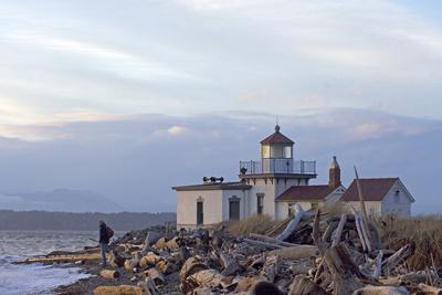 USA, Washington, Seattle, Discovery Park. Historic lighthouse.