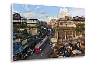 Kolkata's Thoroughfare, Chitpur Road, Winds Through the City Center