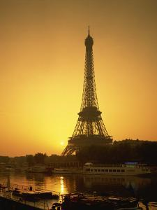 Eiffel Tower, Paris, France by Steve Vidler