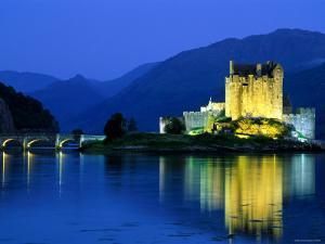Eilean Donan Castle, Loch Duich, Highlands, Scotland by Steve Vidler