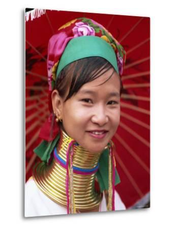 Thailand, Chiang Rai, Long Neck Karen Hilltribe, Long Neck Woman
