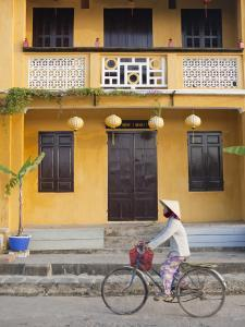 Vietnam, Hoi An, Cafes in the Old Town by Steve Vidler