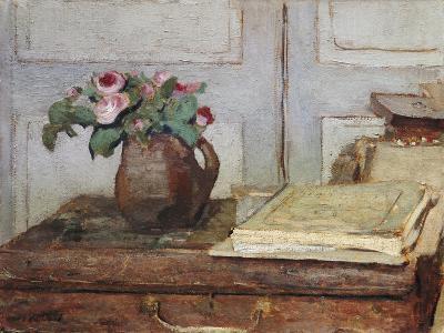 Stilleben Mit Dem Malkoffer Des Kuenstlers Und Einer Vase Mit Moosrosen--Giclee Print