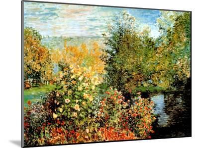 Stiller Winkel im Garten von Montgeron-Claude Monet-Mounted Print