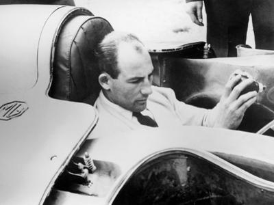 Stirling Moss in the Mg Ex181, 1957