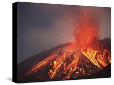 Explosive Vulcanian Eruption of Lava on Sakurajima Volcano, Japan