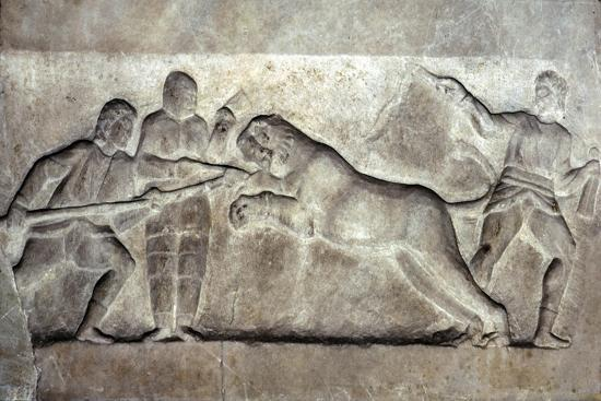 Stone relief ofStone relief of Gladiators fighting a lion, Turkey, c 323BC-31BC-Unknown-Giclee Print