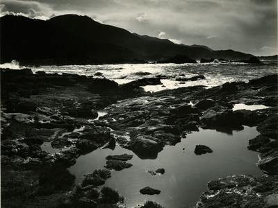 https://imgc.artprintimages.com/img/print/storm-over-point-lobos-california-1954_u-l-q1g6wlt0.jpg?p=0