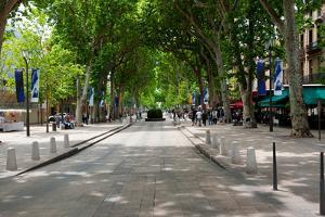 Street Scene, Cours Mirabeau, Aix-En-Provence, Bouches-Du-Rhone, Provence-Alpes-Cote D'Azur, France