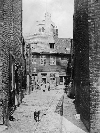 Street Scene in Victorian London--Giclee Print
