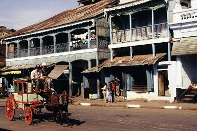 Street Scene, Mamyo, Myanmar--Photographic Print