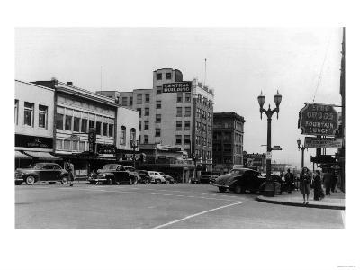 Street Scene, View of Ekho Drugstore - Everett, WA-Lantern Press-Art Print