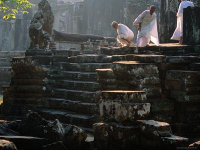 Theravada Pilgrims Congregate at Angkor Thom for Buddhist Retreat, Angkor, Siem Reap, Cambodia