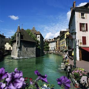Canal and Palais De L`Ile, Annecy, Lake Annecy, Rhone Alpes, France, Europe by Stuart Black