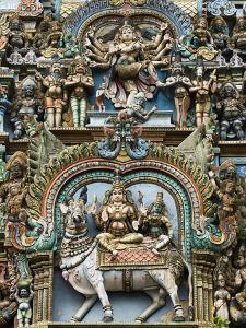 Detail of Hindu Carvings, Sri Meenakshi Sundareshwara Temple, Madurai, Tamil Nadu, India, Asia by Stuart Black