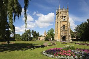 The Bell Tower and St. Lawrence's Church in Abbey Park, Evesham, Worcestershire, England by Stuart Black