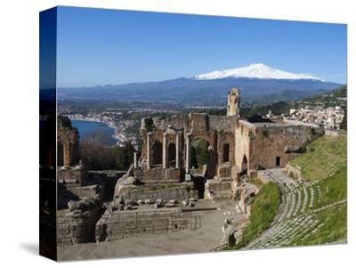 The Greek Amphitheatre and Mount Etna, Taormina, Sicily, Italy, Europe