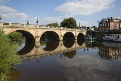 The Welsh Bridge over River Severn, Shrewsbury, Shropshire, England, United Kingdom, Europe