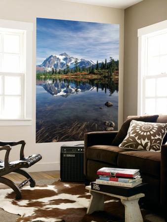 Mt Shuksan with Picture Lake, Mt Baker National Recreation Area, Washington, USA