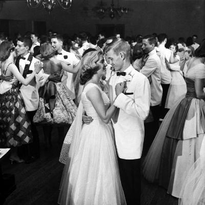 Students Dancing at the Mariemont High School Prom--Photographic Print
