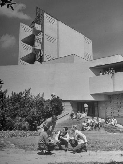 Students on Campus of Florida Southern University Designed by Frank Lloyd Wright-Alfred Eisenstaedt-Photographic Print