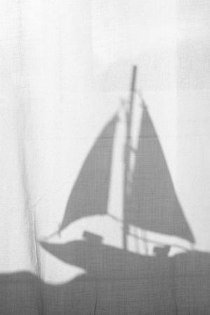 https://imgc.artprintimages.com/img/print/substance-silhouette-sailing-ship_u-l-q11wlo40.jpg?p=0