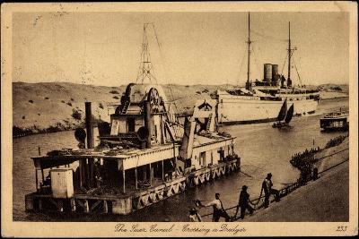 Suez Ägypten, Suez Kanal, Dredger, Dampfschiff--Giclee Print