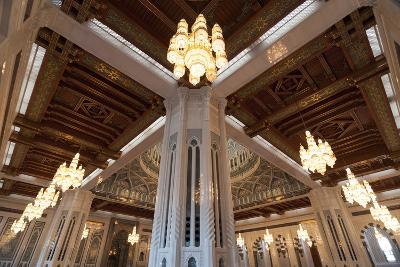 Sultan Qaboos Grand Mosque in Muscat, Oman-Sergio Pitamitz-Photographic Print
