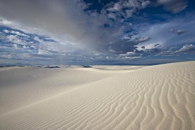 Summer Monsoon Clouds over White Dunes in White Sands National Monument-Derek Von Briesen-Photographic Print