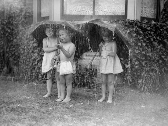 Summer Shower--Photographic Print
