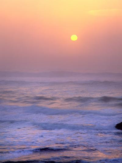 Sun Setting over the Pacific Ocean, Oregon, USA-Jaynes Gallery-Photographic Print