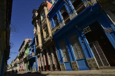 Sunlit Buildings in Old Havana-Raul Touzon-Photographic Print