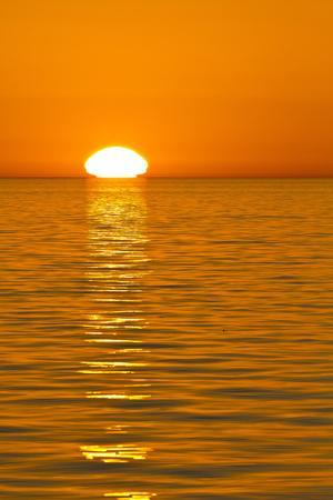 https://imgc.artprintimages.com/img/print/sunrise-gulf-of-california-sea-of-cortez-baja-california-mexico-north-america_u-l-pial4r0.jpg?p=0
