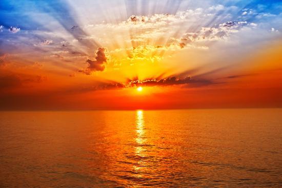 Sunrise in the Sea-merydolla-Photographic Print