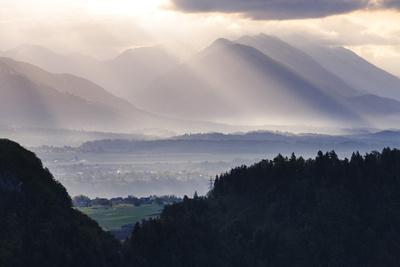 https://imgc.artprintimages.com/img/print/sunrise-julian-alps-gorenjska-upper-carniola-region-slovenia-europe_u-l-psxy4d0.jpg?p=0