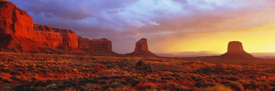 Sunrise, Monument Valley, Arizona, USA--Photographic Print