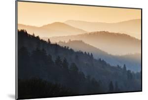 Sunrise, Oconaluftee Overlook, Great Smoky Mountains National Park, North Carolina, USA