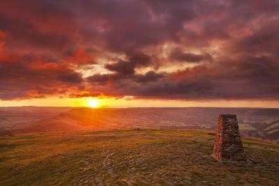 Sunrise on Great Ridge, Mam Tor, Hope Valley, Peak District National Park, Derbyshire-Neale Clark-Photographic Print